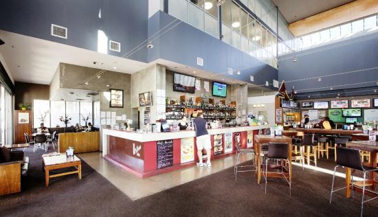CHERMSIDE TAVERN, Brisbane - Menu, Prices, Restaurant ...