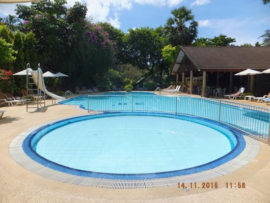 Golden Sand Inn : Pool