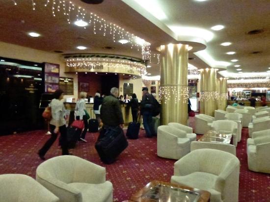 Rodina Hotel: Reception
