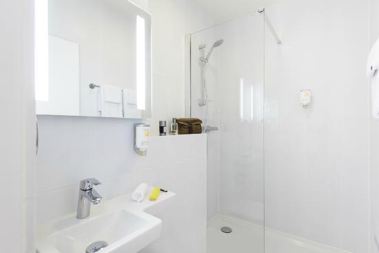 Residence Studio Geneve Centre: Salle de bains