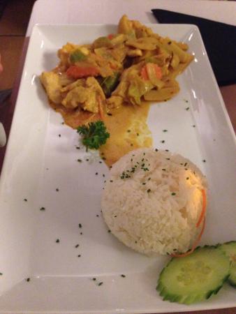 Am Clubhaus op der Spora: Curry chicken