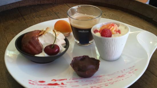 Chauvigny, ฝรั่งเศส: Café Gourmand