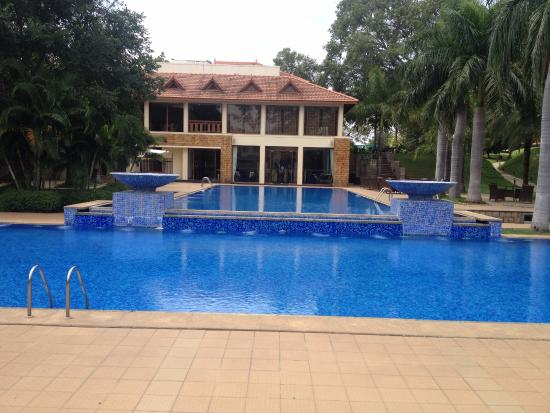 Pool And Restaurant Picture Of The Golkonda Resorts Spa Hyderabad Tripadvisor