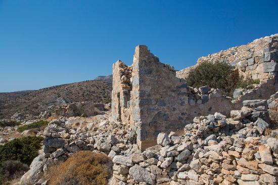 ‪‪Irakleia‬, اليونان: The ruins of a Hellenistic era fortification (323-316 BC) known as Livadi Fort (Kastro).‬