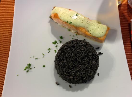 squid ink rice with salmon picture of le chantier hendaye tripadvisor. Black Bedroom Furniture Sets. Home Design Ideas