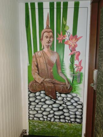Hotel Relais dei Papi: Buddha in a hotel named for the Pope?