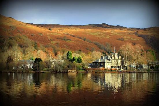 St. Fillans, UK: St Fillans from other side of Loch