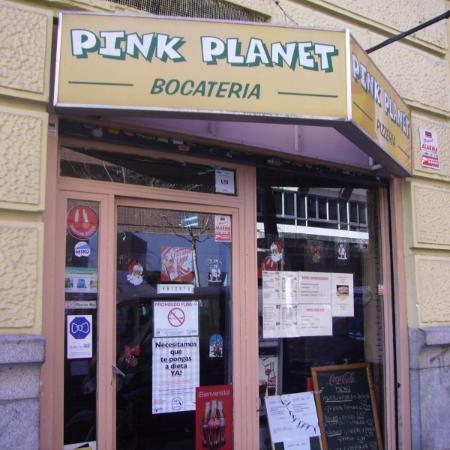 Restaurante pink planet en madrid con cocina americana for Foster hollywood jardines