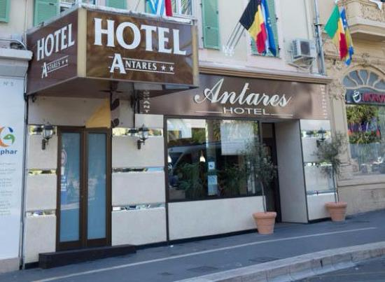 Entrada do Hostel/hotel Antares