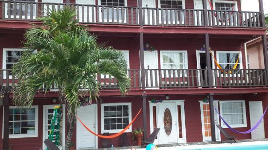 Ocean Tide Beach Resort: hotel front