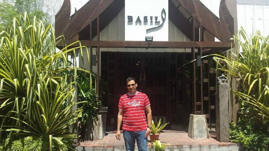 Basil Authentic Thai Resto