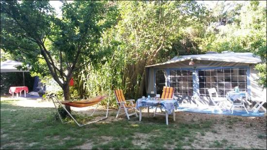 Au jardin de la ferme six fours les plages frankrig for Camping au jardin de la ferme