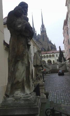 Brno, Tjekkiet: вид на Собор Св. Петра и Павла