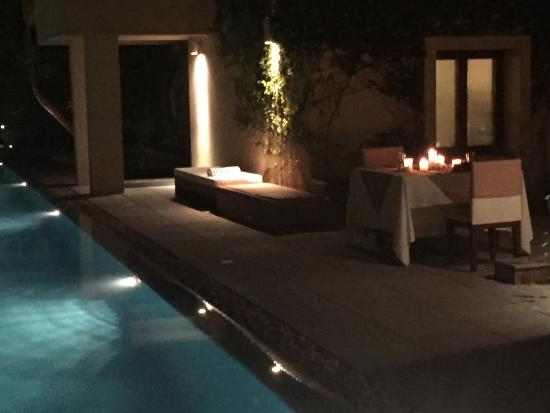 Shreyas Yoga Retreat: pool at nights / dinner