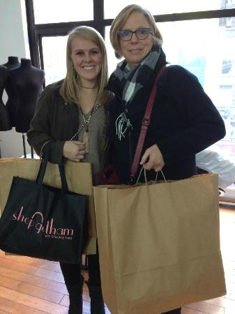 Shop Gotham NYC Shopping Tours : mother and daughter on garment Center tour