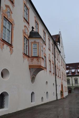 Benediktbeuern, เยอรมนี: Стены аббатства