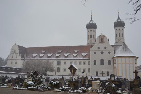 Benediktbeuern, เยอรมนี: Бенедектинское аббатство