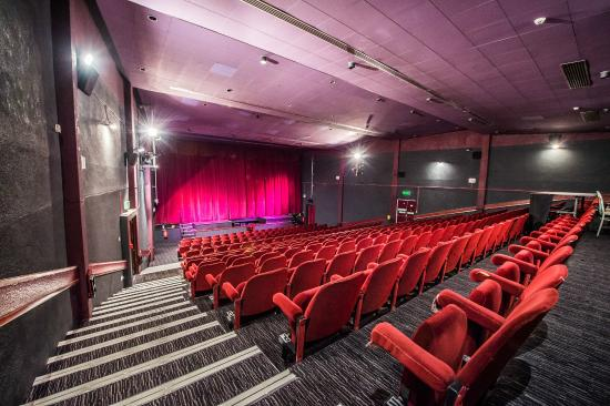 Tewkesbury, UK: The newly refurbished auditorium