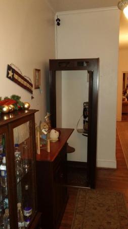 Berkeley Springs, WV: Old Telephone Booth Inside Lobby