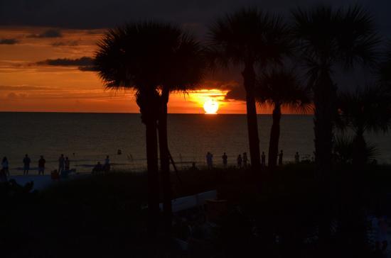 Sunset Picture Of Siesta Sands Beach Resort Siesta Key