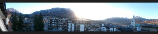 Hotel Alaska Cortina: Priceless - Nel cuore della cittadina di Cortina, unica la vista sulle Dolomiti e sulla piazzett