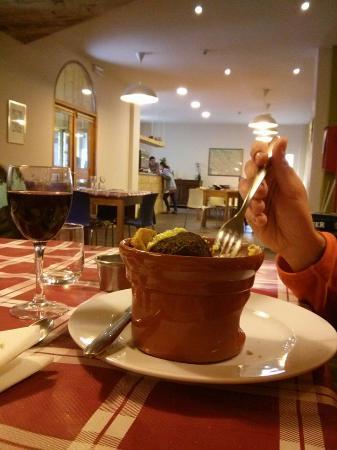 Valdieri, Italien: Le polpette di verdure con fonduta di Blu di Entracque