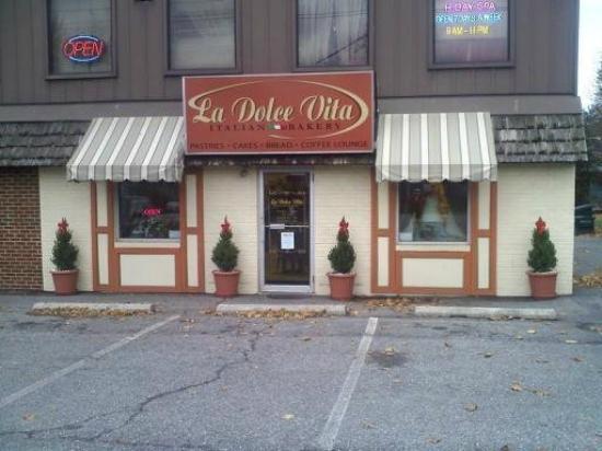 La Dolce Vita Italian Bakery Allentown