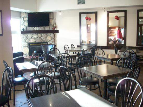 Comfort Inn & Suites: Breakfast nook (2nd room also avail when busy)