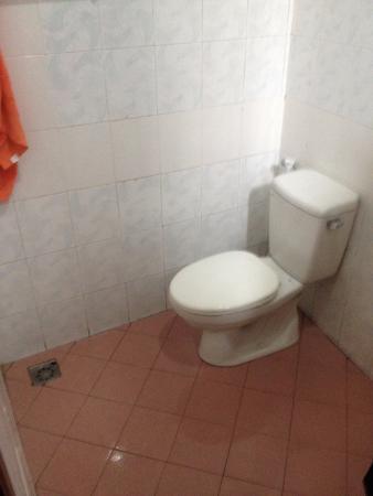 Vinh Huy Hotel: Toilet