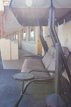 Fort Verde Suites: Front porch