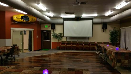 A Riverside Inn Hotel: Conference Room for Groups