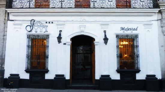 Su Majestad Hotel: fachada Hotel Majestad