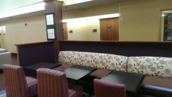 Hampton Inn Denver - Southwest/Lakewood: Breakfast Area
