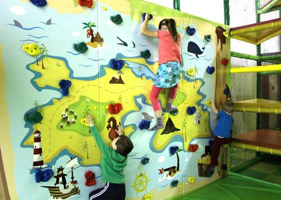 d159874f651d Climbing wall - Picture of Hop Skip Jump