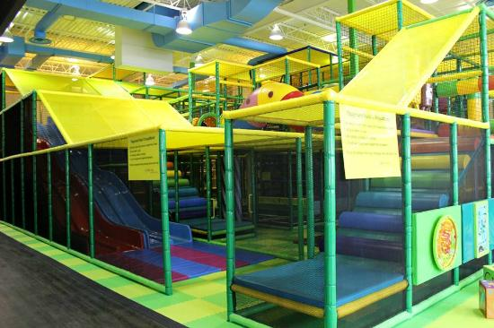16079b521fea Entrance of the huge play structure - Picture of Hop Skip Jump ...