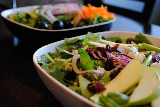 Ballston Spa, NY: Apple Blue Salad
