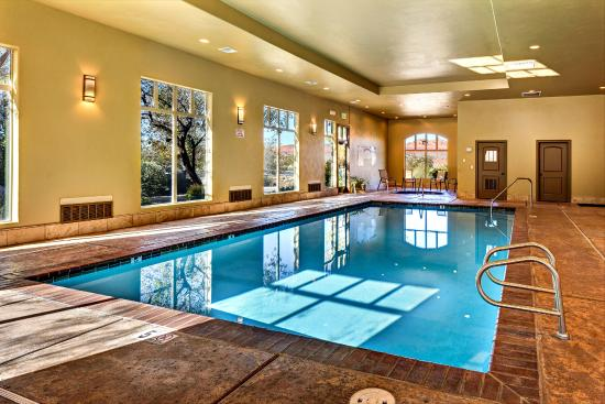 Coral Springs Resort: Indoor Pool