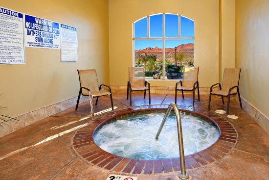 Coral Springs Resort: Indoor Hot Tub