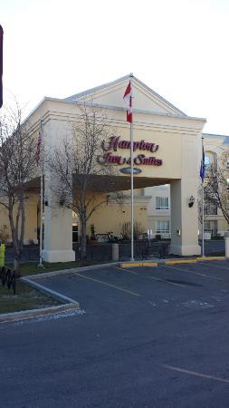 Hampton Inn & Suites By Hilton Calgary- University Northwest: Voorzijde