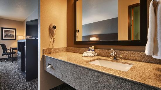 Best Western Santa Fe: Guest Bathroom
