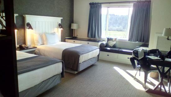 Village Hotel On Biltmore Estate Double Beds