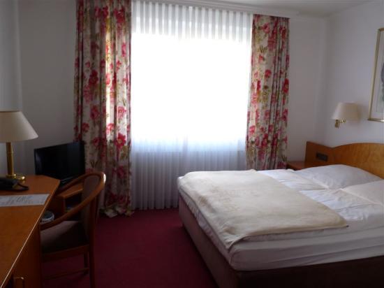 Hotel Wilhelm Busch: Zimmeransicht