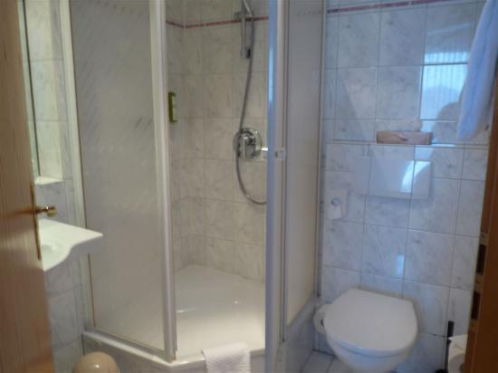 badezimmer - bild von hotel wilhelm busch, norderstedt - tripadvisor, Badezimmer