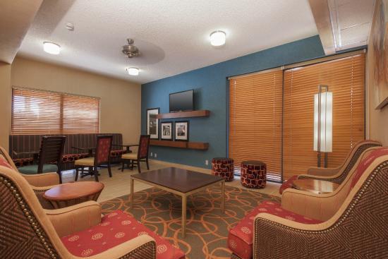 Hampton Inn Phoenix/Chandler: Lobby
