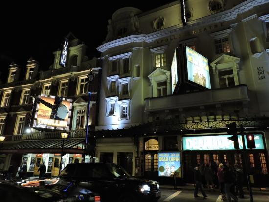 Shaftesbury Avenue: Театры на Шафтсбари Авеню