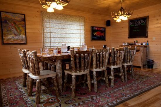 Iliamna, Аляска: Dining Room