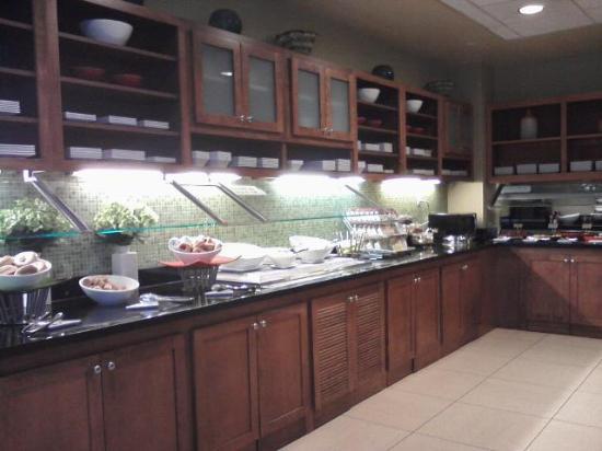 Hyatt Place Detroit / Utica: Breakfast Bar Area