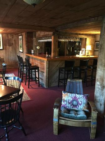 Tucker Hill Inn: Bar/Pub