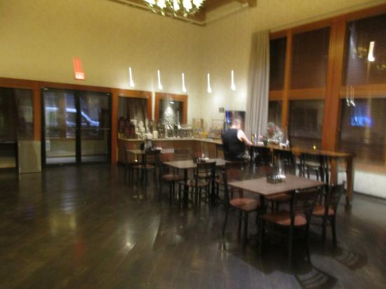 Best Western Mt. Hood Inn : Lobby area where breakfast is served