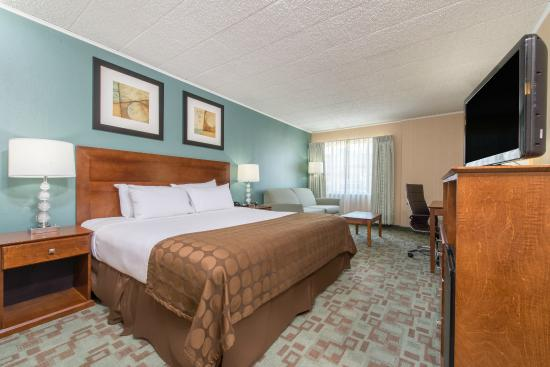 Vineland, Нью-Джерси: One king guest room
